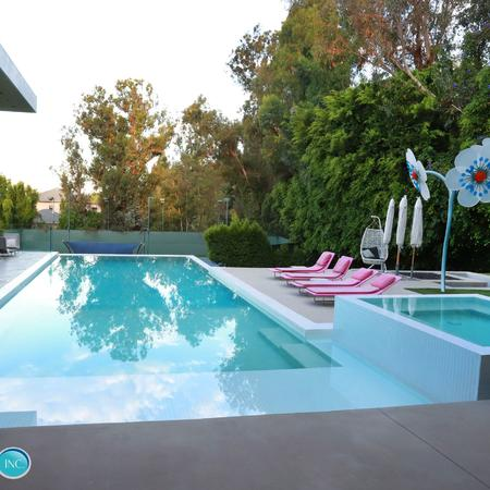 Beverly Hills Endless Summer Pool